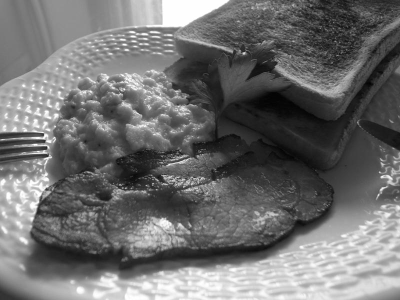 R0033767_bacon_eggs1