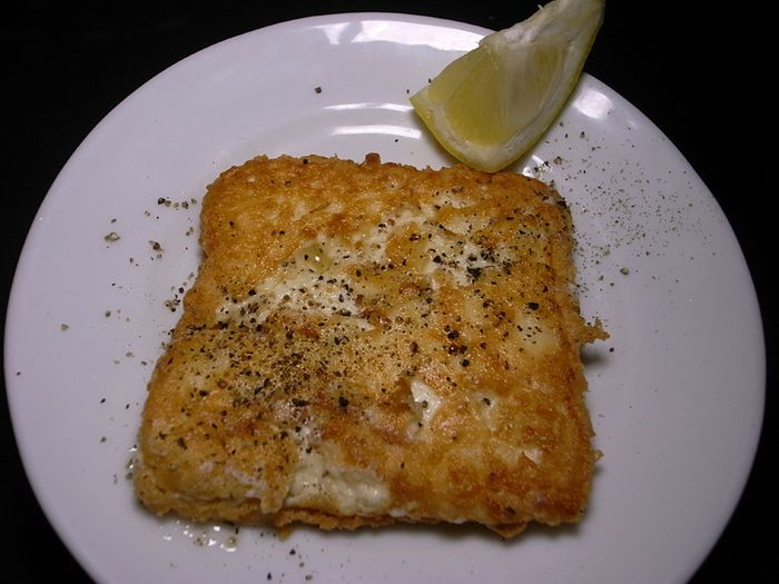 R0034536_fried_feta_cheese