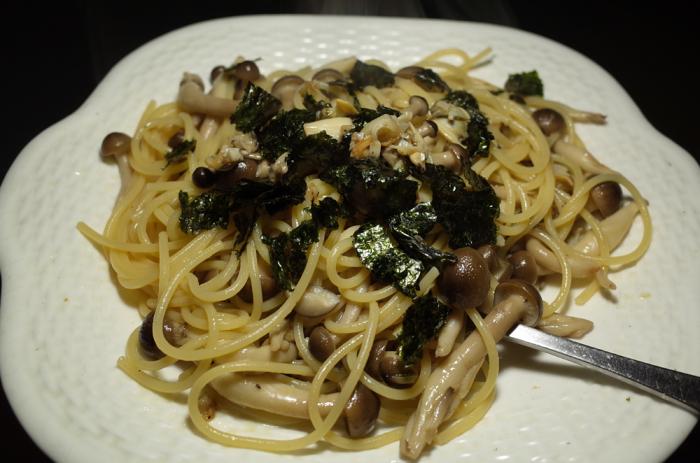 R0051710_clum and shimeji spaghetti japanese style