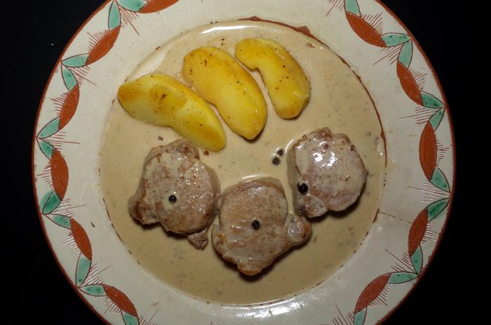 R0055149_Filet mignon de porc à la Normande et pommes