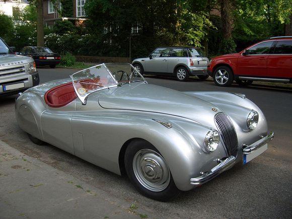 Jaguar_XK120_dhc