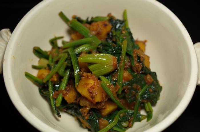 R0052647_spinach and potato sabji