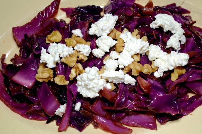 R0054070_Warm Red cabbage salad