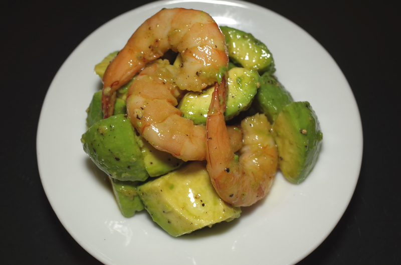 R0055340_Shrimp avocado salad AHIRU STORE Style