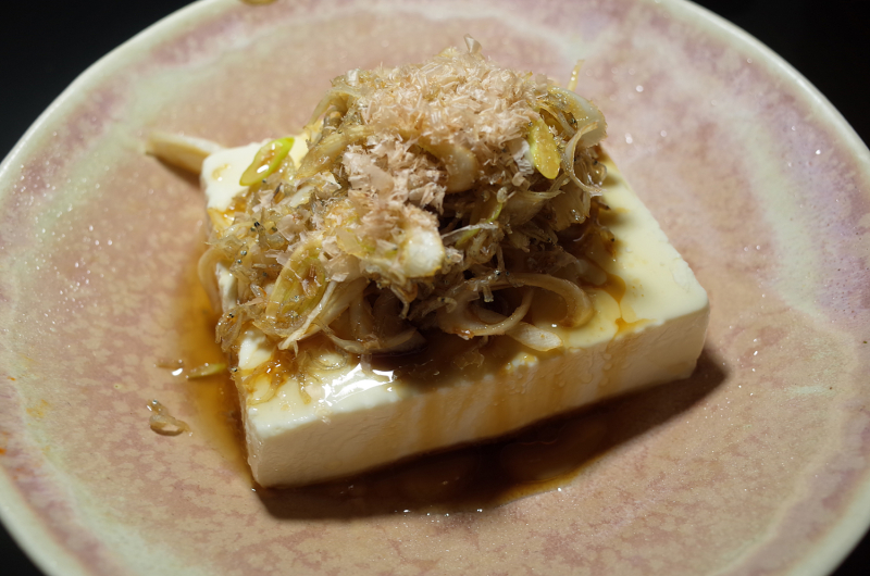 R0056303_Chilled tofu with dried young serdines and green onion