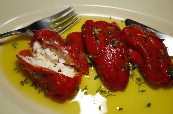 R0057359_feta stuffed red pepper